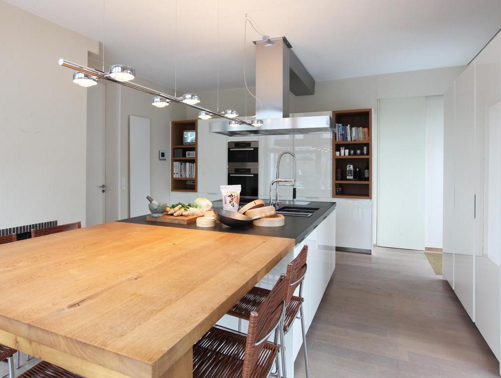 Kücheninsel-Esstisch
