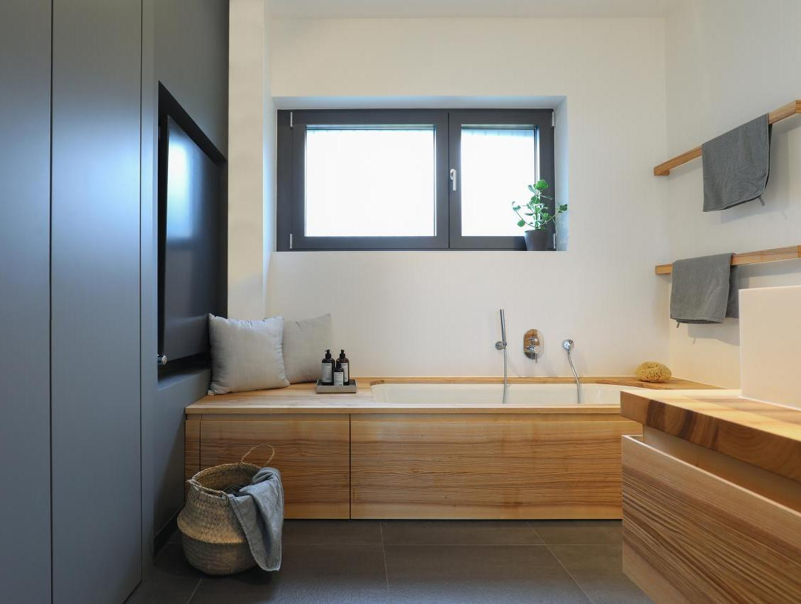 EN SUITE BAD IN HOFHEIM AM TAUNUS, 2020